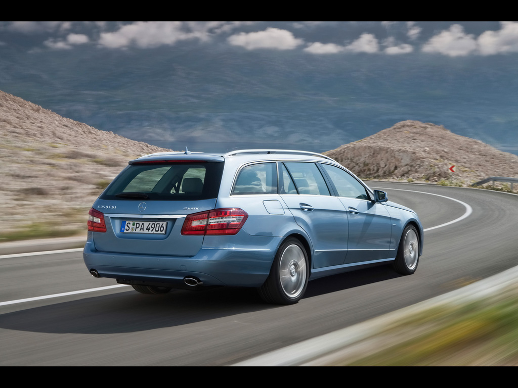 Support station wagons mercedes benz club of america for Mercedes benz helpline