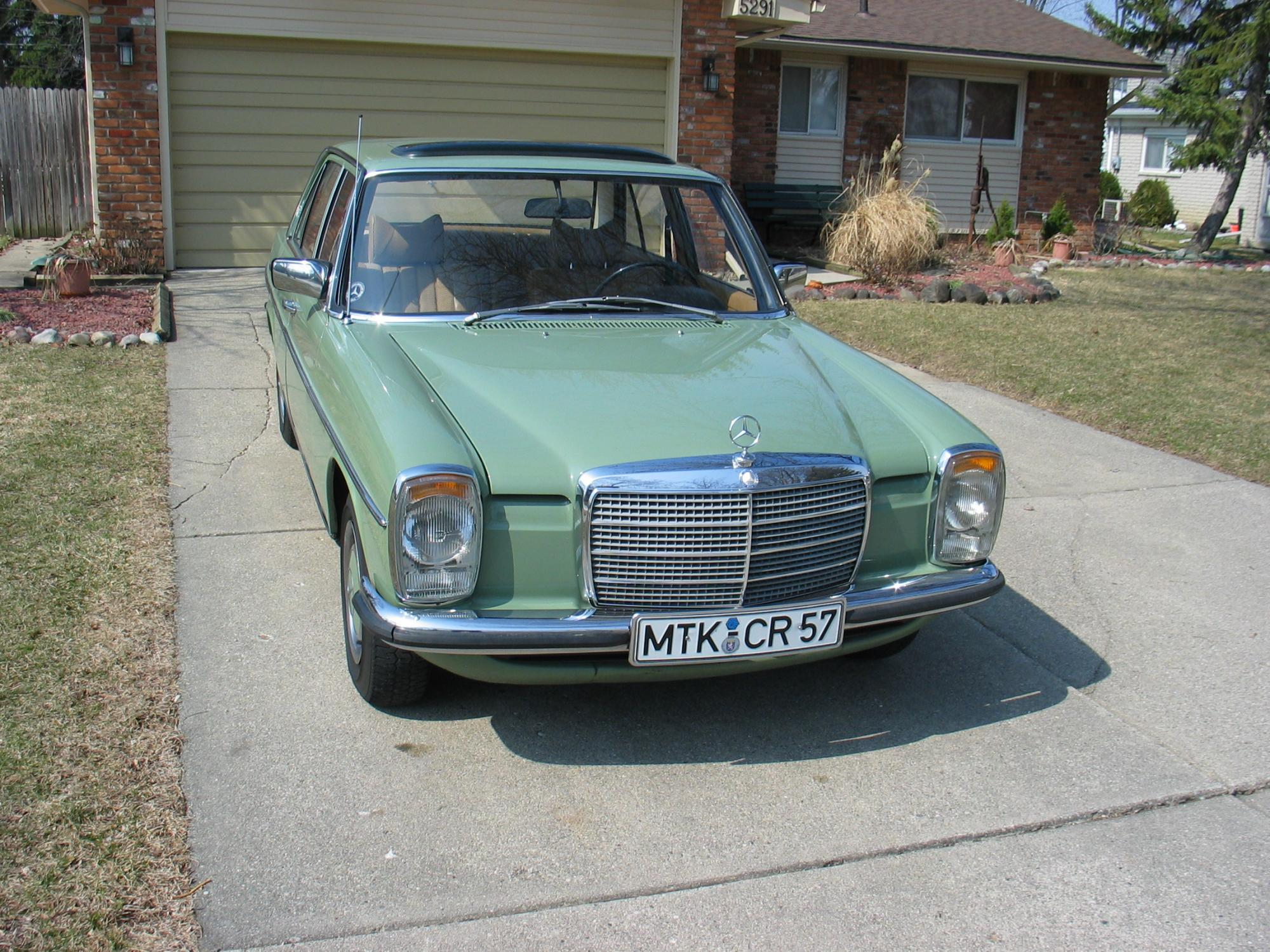 For sale 1975 200 w115 european gasoline model mercedes for Mercedes benz w115 for sale